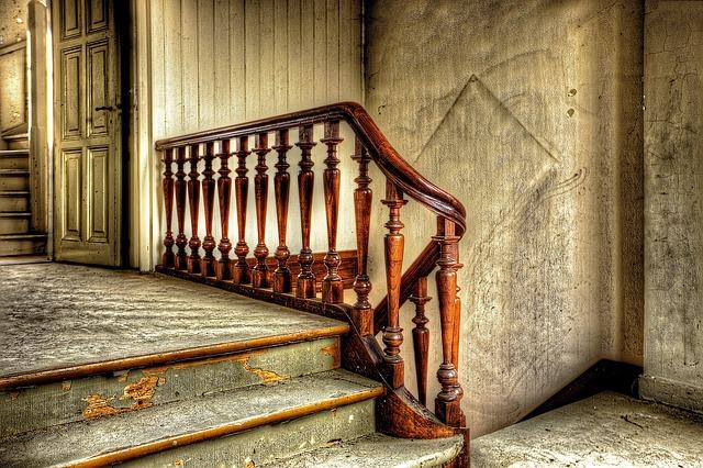 zabradlí na schodech