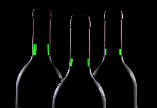 Fľaše od vína.jpg