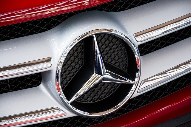 Mercedes logo.jpg